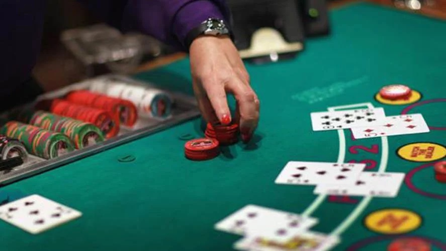The benefits of With an active Dealer Although Playing Online Blackjack